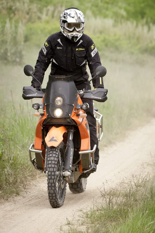 Top 10 des conseils de conduite en moto par temps chaud - Équipement de ventilation KLIM