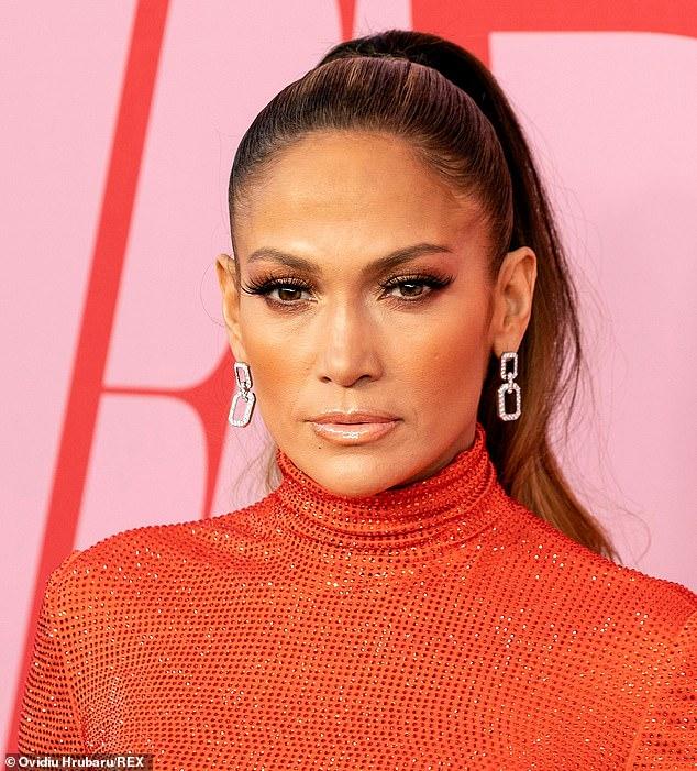 Jennifer Lopez (photo) réalise son apparence sans âge en utilisant des produits développés par le dermatologue Dr Harold Lancer