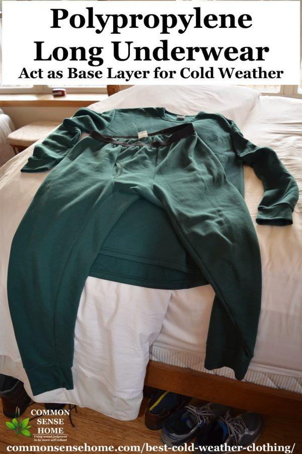 """sous-vêtements longs par temps froid """"class ="""" wp-image-40657 """"srcset ="""" https://www.ecobrumi.fr/wp-content/uploads/2019/12/1577002474_113_4-couches-de-vetements-pour-temps-froid-que-tout-le.jpg 600w, https://commonsensehome.com/wp-content/uploads/2017/11/cold-weather-long-underwear-2x-200x300.jpg 200w, https://commonsensehome.com/wp-content/uploads/2017/11 /cold-weather-long-underwear-2x-768x1152.jpg 768w, https://commonsensehome.com/wp-content/uploads/2017/11/cold-weather-long-underwear-2x.jpg 1000w """"tailles ="""" (largeur max: 600px) 100vw, 600px"""