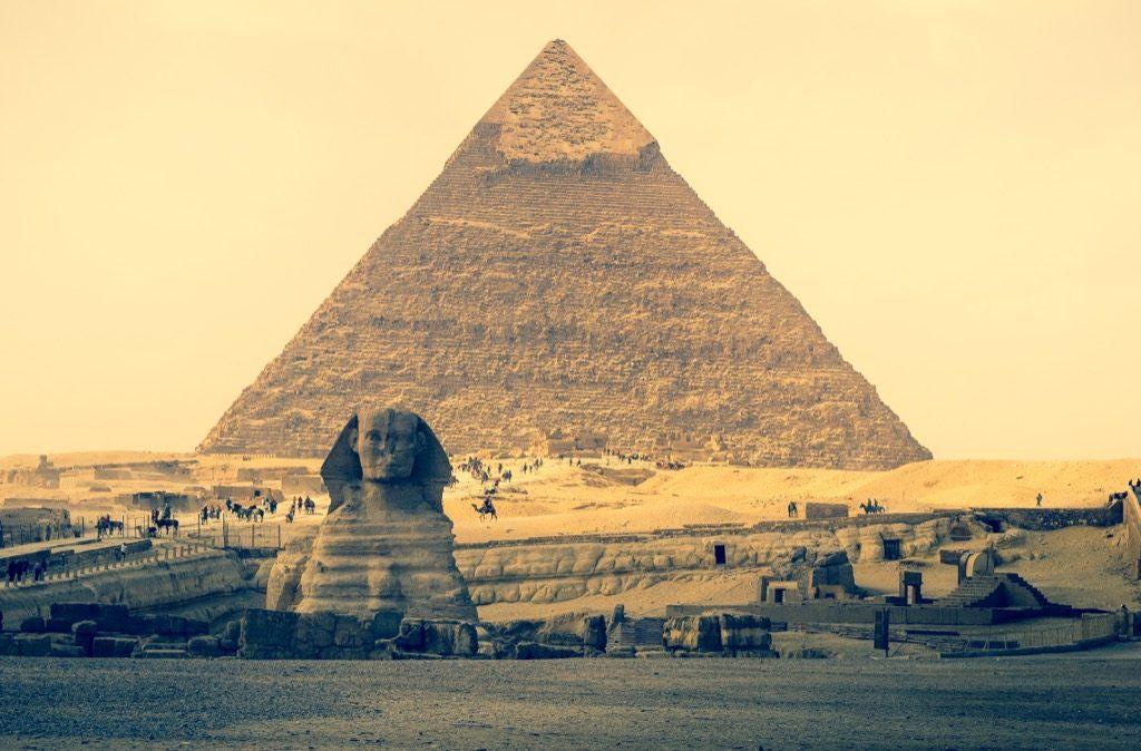 "giza egypt pyramids trips with kids"" width=""1024"" height=""674"" srcset=""https://i2.wp.com/bestlifeonline.com/wp-content/uploads/2018/01/egypt-pyramids.jpg?w=1024&ssl=1 1024w, https://i2.wp.com/bestlifeonline.com/wp-content/uploads/2018/01/egypt-pyramids.jpg?resize=500%2C329&ssl=1 500w, https://i2.wp.com/bestlifeonline.com/wp-content/uploads/2018/01/egypt-pyramids.jpg?resize=768%2C506&ssl=1 768w"" sizes=""(max-width: 1000px) 100vw, 1000px"" data-recalc-dims=""1"