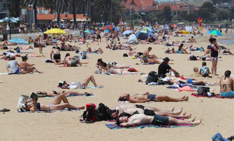 Les résidents de Melbourne voudront peut-être se diriger vers la plage lorsque les températures grimperont dans les années 30 cette semaine. Source: AAP