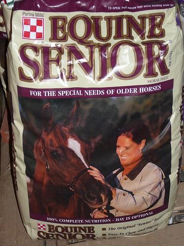 "Nourriture pour chevaux senior ""width ="" 180"