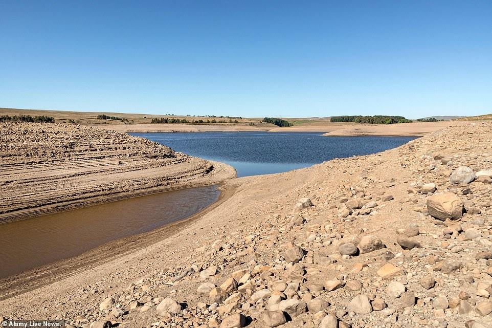 Le réservoir Selset à Lunedale, comté de Durham aujourd'hui. Le Met Office a déclaré que le Royaume-Uni avait enregistré le printemps le plus ensoleillé depuis le début des records en 1929, alors qu'il devrait également être le mois de mai le plus sec depuis 124 ans, les chiffres officiels des précipitations devant être publiés plus tard dans la journée.