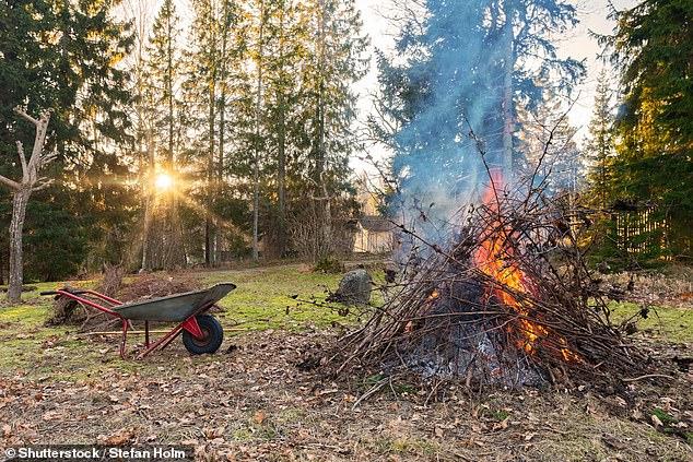 Il est conseillé aux ménages qui choisissent d'avoir un feu de joie de les garder en permanence